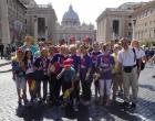 Auf dem Weg zum großen Treffen der 60.000 Ministranten am Petersplatz ...